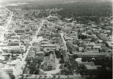 Vue du ciel - DeS - cathedrale et environs